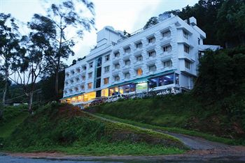 Cochin – Athirapally – Munnar Students Tour Package