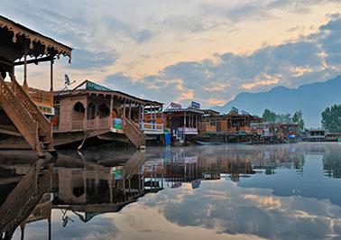 Agra-Delhi-Jammu-Patnitop-Srinagar students Tour